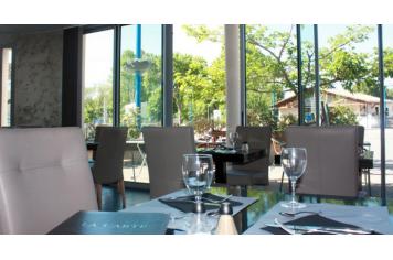 Le midi montaigu de quercy restaurant montaigu de for Restaurant montaigu
